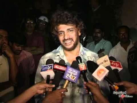 Rajinikanth Watched 'Super' Kannada Film