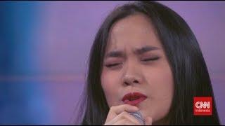 "Sheryl Sheinafia Nyanyikan Lagu ""Setia"""