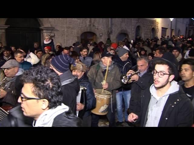 Gambatesa maitunat 31-12-2015: brindisi e fuochi d'artificio in piazza