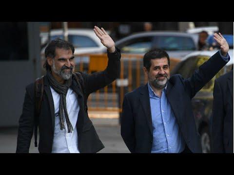 مدريد تعتقل قياديي أبرز منظمتين انفصاليتين في إقليم كاتالونيا  - نشر قبل 2 ساعة