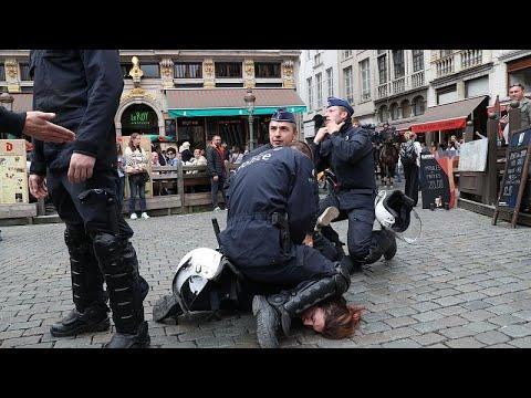 Belçika'da Sarı Yelekli eylemcilere polisten sert müdahale