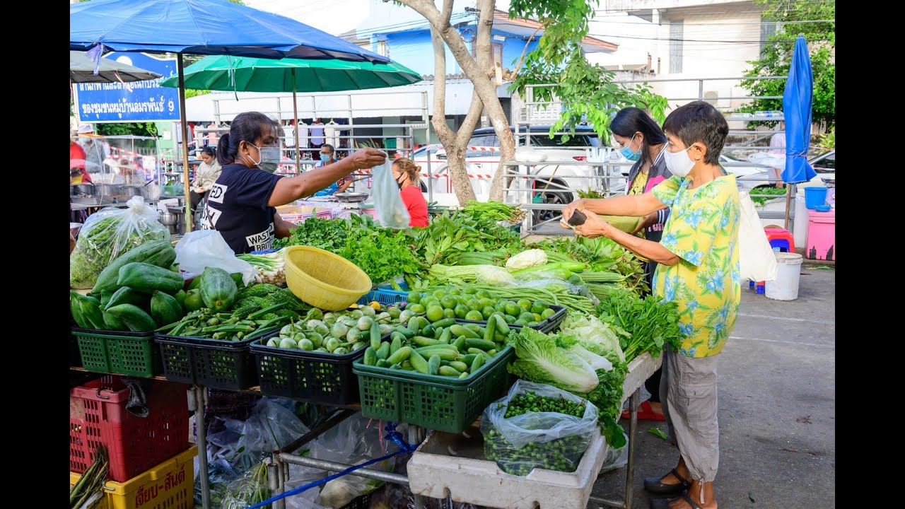 [4K] 2020 Local Flea Market (Amon Phan 9 Market) street food and shopping on the morning