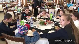 Поздравления от высоких гостей и праздничные обеды – в Каспийске с размахом отметили  международный