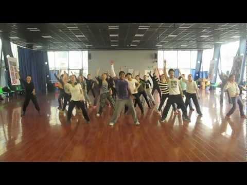 Una Vaina Loca (Hold Yuh) Alejandro Angulo at the Beijing Dance Academy