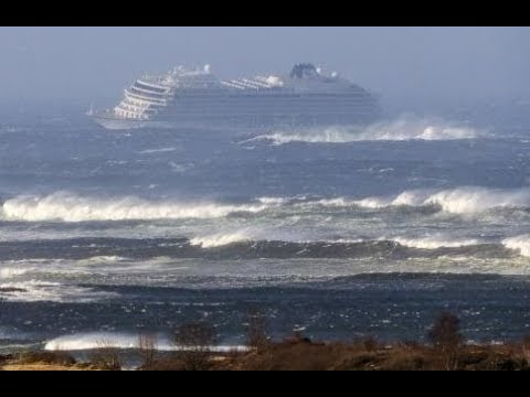 Nick Wize - Breaking News: Cruise Ship Being Evacuated Right Now