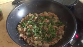 Жареная на воке китайская капуста со свининой