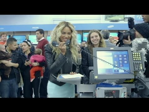 Beyonce's Surprise Holiday Shopping Trip to Walmart