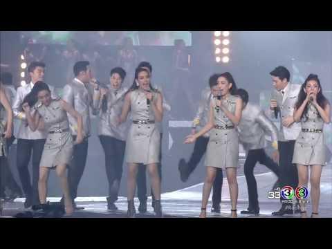 คู่ คอง Dance Version - ณเดชน์ ญาญ่า และ ผองเพื่อน  Love is in the Air Concert