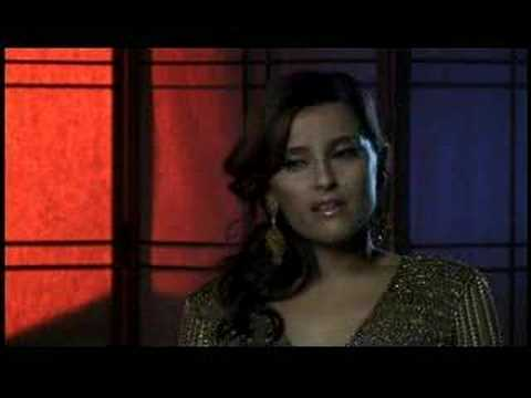 Nelly Furtado - Interview about