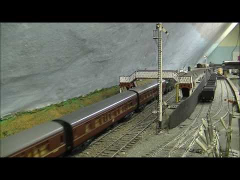 (HD) 'O' Gauge Model Diesel Trains, UK Outline.