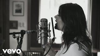Yuridia - Ya Es Muy Tarde (Versión Piano y Voz [Video])