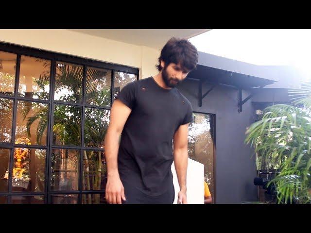 Shahid Kapoor Spotted Antigravity Gym At Pali Hill Bandra