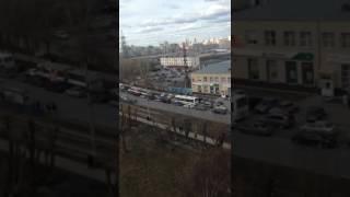 Автомобилисты встали в 3-километровую пробку на улице 8 Марта из-за ДТП