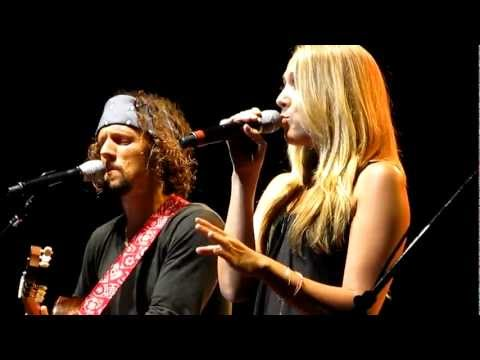 Jason Mraz - Beautiful Day in the Neighborhood, Fly Me to the Moon & Lucky w/ Colbie Caillat