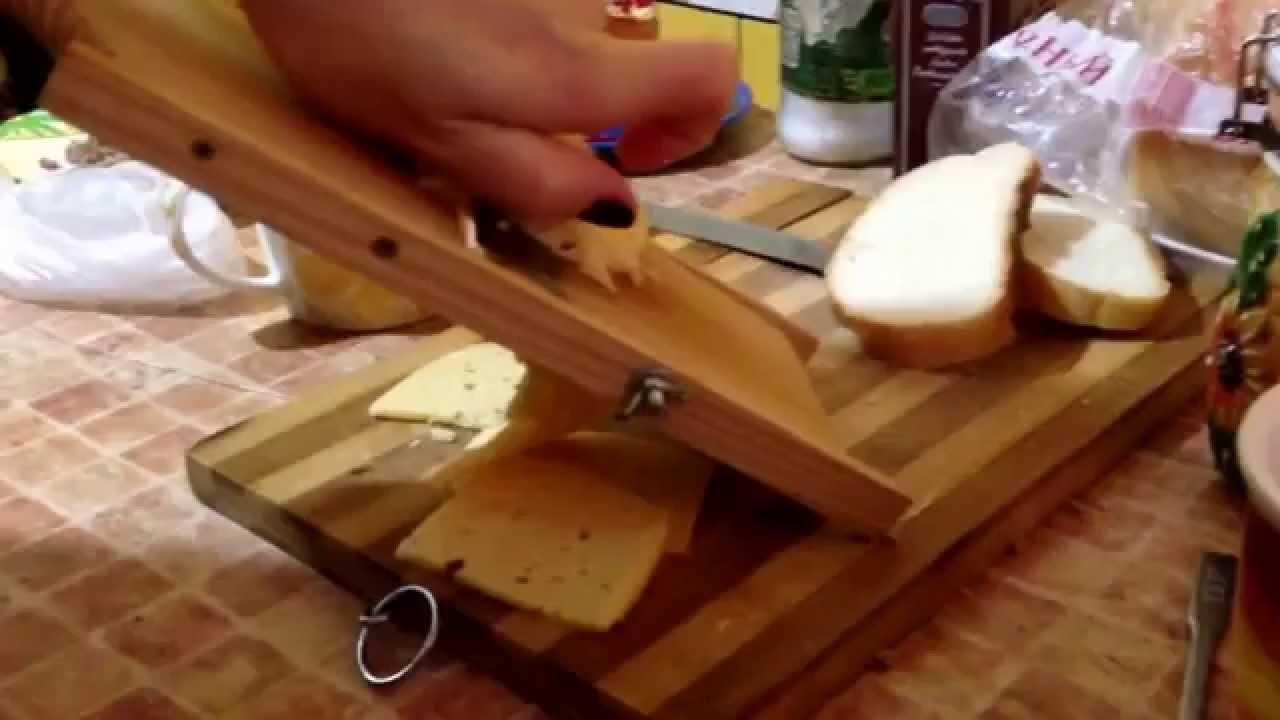 Сыр тет де муан из коровьего молока 850гр. «ла маре» в любое время года предлагаем изысканные продукты наивысшего качества по выгодным ценам. Телефон: +7 (495) 640-70-80.