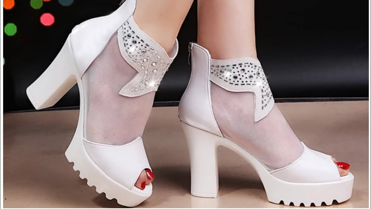 LADIES STYLISH BOOTS SHOES SANDALS COLLECTION 2020