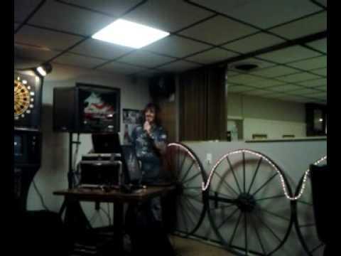 I sing born.in the usa @the legion Karaoke