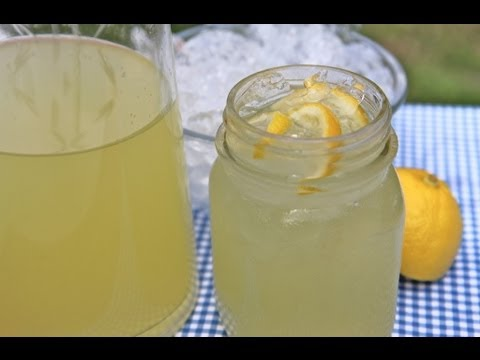 easy-homemade-lemonade-recipe---old-fashioned