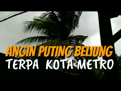 kota-metro-diterpa-angin-puting-beliung