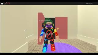 Playing Roblox a toa
