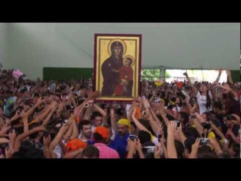 Bote Fé: a juventude brasileira abraça a Cruz e o Ícone de Maria