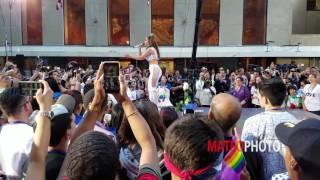 Jennifer Lopez & Lin-Manuel Miranda 'Love Make The World Go Round'
