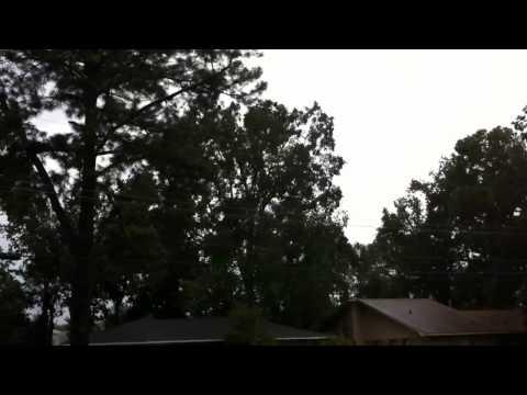 Hurricane Isaac 7:52am - Front Yard View