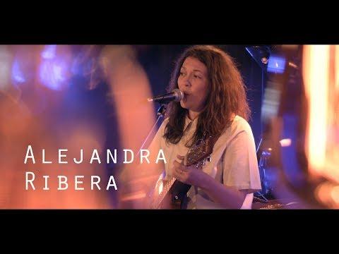 Alejandra Ribera - Carry me - Live @ Le Pont des Artistes
