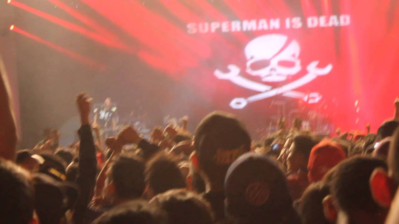 KITA ADALAH BELATI (SUPERMAN IS DEAD) - YouTube