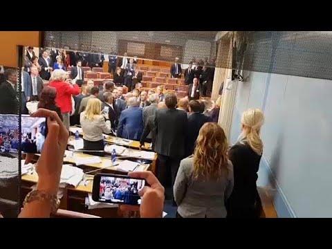 Montenegro aprova lei polémica sobre direitos religiosos