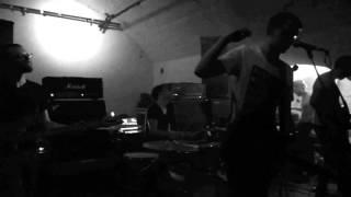 MIKROKOSMOS23 Alles gegen Wände live im Venster99 (28.04.2013)