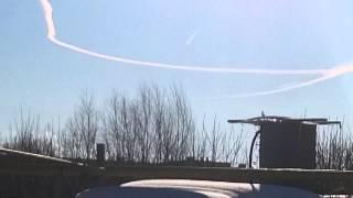 Самолёт кружит над оренбургом.И идет вниз.Возможно падает.
