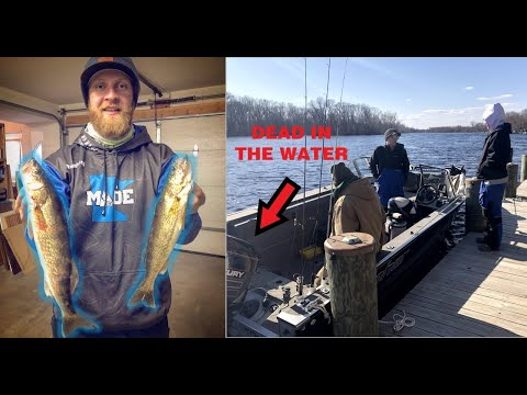 Wolf River Walleye Fishing (MAJOR BOAT ISSUES)