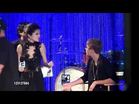 Justin Bieber & Selena Gomez @ MTV Video Music Awards 2011