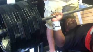 """David """"The Beast"""" Douglas: Bench Day prep for 2011 Olympia"""