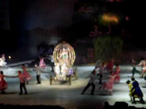 Disney On Ice, Princesas Y Heroes Final