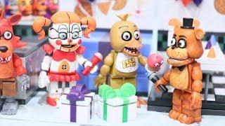 Brinquedos FNAF Cinco Noites no Freddy O Anivers rio da Chica se Transforma em um Pesadelo