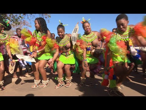 Maidens from South Africa  at the Umhlanga Reed Dance in Swaziland
