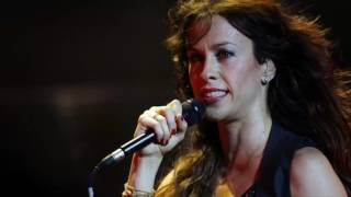Alanis Morissette Reportedly Robbed Of $2m In Jewelry
