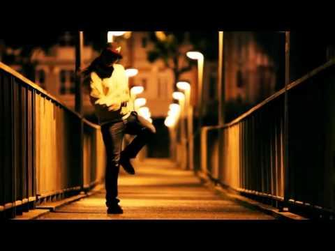 Девушка танцует крамп и хип-хоп..чуумаа 2013 год клубняк
