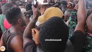 'Konde Kafulia, Msaliti Konde' Mashabiki wa Diamond wasikika wakisema wakati akitoka Uwanja wa Taifa
