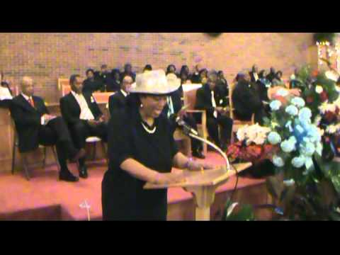 Hilarious Lady Butchers Song in Church