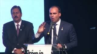 Discurso da vitória de Eduardo Bolsonaro como melhor deputado do Congresso em Foco 2017