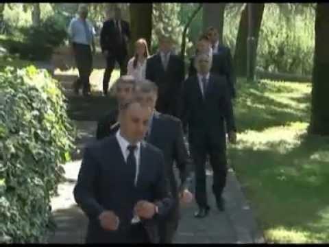 Predsjednik Vlade Igor Lukšić dodijelio sertifikate stažistima programa Internship