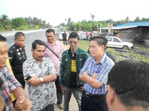 Cai2 UMNO cuba utk robohkn Billboard YB Ng Suee Lim3