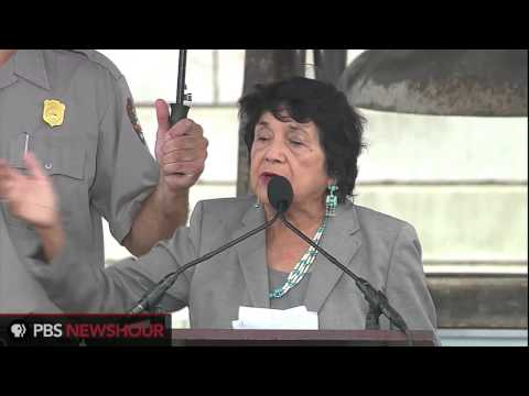Civil Rights Activist Dolores Huerta: 'So I'm Going to Ask All of You, Who's Got the Power?'