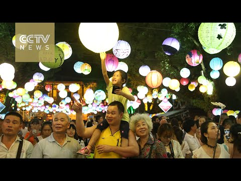 Mid-Autumn Festival: Holiday sees large crowds at tourist sites