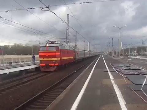 Электровоз ЧС2Т с поездом Арктика Мурманск - Москва