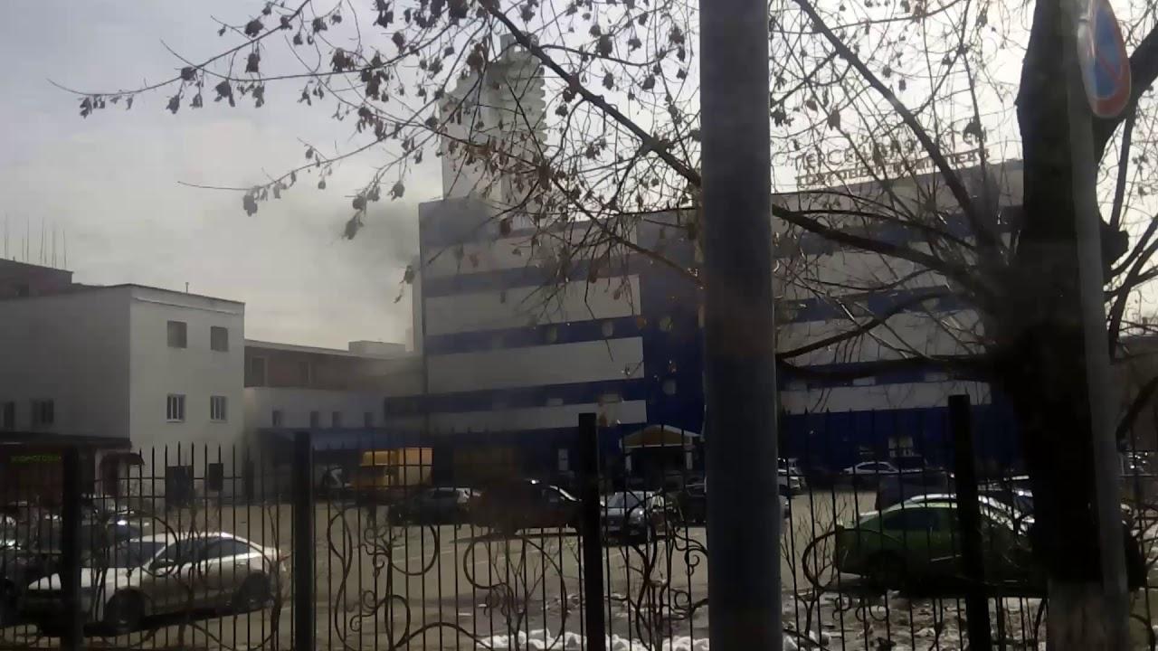 В Москве горит ТЦ «Персей для детей», есть пострадавшие