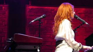 Tori Amos Amsterdam May 29th 2014 Putting the damage on